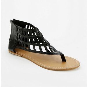 NEW🔥🔥🔥ecote by Urban Outfitters Black Sandals